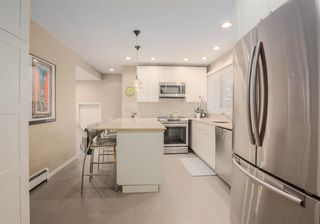 Photo 10: 8232 10 Street SW in Calgary: Chinook Park Detached for sale : MLS®# A1055347