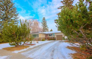 Photo 2: 8232 10 Street SW in Calgary: Chinook Park Detached for sale : MLS®# A1055347
