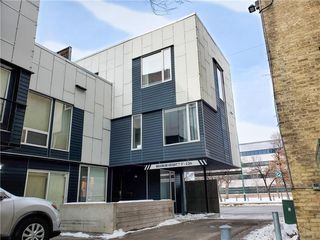 Photo 1: 7 443 Webb Place in Winnipeg: Downtown Condominium for sale (9A)  : MLS®# 202100090
