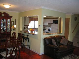 Photo 3: Gorgeous 3 bedroom Family Home!
