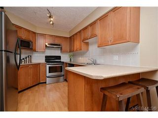 Photo 3: 38 486 Royal Bay Dr in VICTORIA: Co Royal Bay Row/Townhouse for sale (Colwood)  : MLS®# 613798