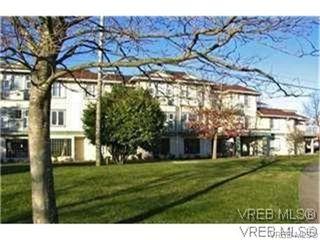 Photo 1: 203 400 Dupplin Road in VICTORIA: SW Rudd Park Condo Apartment for sale (Saanich West)  : MLS®# 324011