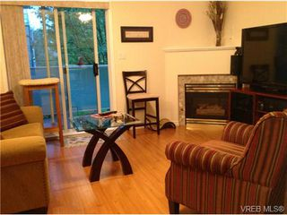 Photo 2: 203 400 Dupplin Road in VICTORIA: SW Rudd Park Condo Apartment for sale (Saanich West)  : MLS®# 324011
