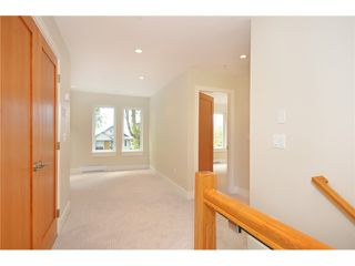 Photo 10: 528 E 10TH AV in Vancouver: Mount Pleasant VE House 1/2 Duplex for sale (Vancouver East)  : MLS®# V1024473