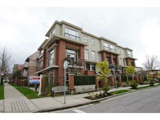Photo 1: 218 East 12th Street in Vancouver: Mount Pleasant VE Townhouse for sale (Vancouver East)  : MLS®# V1054641