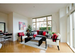 Photo 4: 218 East 12th Street in Vancouver: Mount Pleasant VE Townhouse for sale (Vancouver East)  : MLS®# V1054641