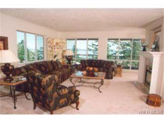 Photo 3: 202 940 Boulderwood Rise in VICTORIA: SE Broadmead Condo Apartment for sale (Saanich East)  : MLS®# 230012