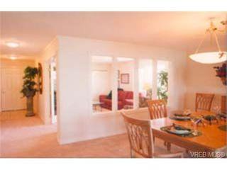 Photo 7: 202 940 Boulderwood Rise in VICTORIA: SE Broadmead Condo Apartment for sale (Saanich East)  : MLS®# 230012