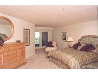 Photo 6: 202 940 Boulderwood Rise in VICTORIA: SE Broadmead Condo Apartment for sale (Saanich East)  : MLS®# 230012
