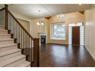 Photo 2: 18383 67 Avenue in Surrey: Cloverdale BC House for sale (Cloverdale)  : MLS®# F1431639