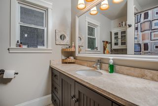 Photo 9: 1129 BARTLETT AVENUE in Coquitlam: Harbour Chines House for sale : MLS®# R2028937