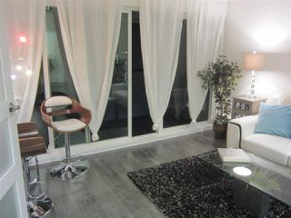 Photo 2: 408 2333 TRIUMPH STREET in Vancouver: Hastings Condo for sale (Vancouver East)  : MLS®# R2109596