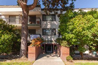 Photo 1: 205 2033 W 7TH Avenue in Vancouver: Kitsilano Condo for sale (Vancouver West)  : MLS®# R2399698