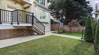 """Photo 3: 2208 PITT RIVER Road in Port Coquitlam: Mary Hill House for sale in """"MARY HILL"""" : MLS®# R2410867"""
