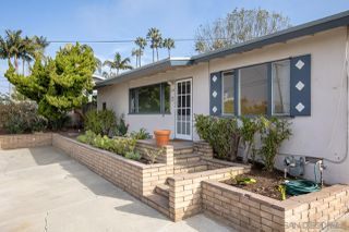 Photo 2: SOLANA BEACH House for sale : 3 bedrooms : 654 Glenmont