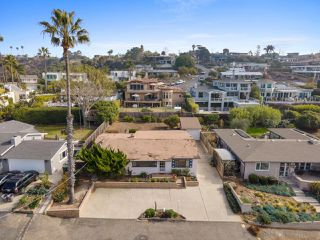 Photo 4: SOLANA BEACH House for sale : 3 bedrooms : 654 Glenmont