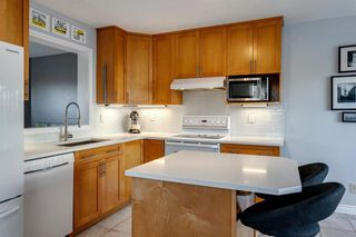 Photo 11: 266 Inglewood Grove SE in Calgary: Inglewood Row/Townhouse for sale : MLS®# A1058368
