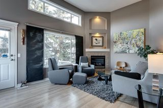 Photo 3: 266 Inglewood Grove SE in Calgary: Inglewood Row/Townhouse for sale : MLS®# A1058368