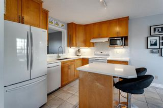 Photo 10: 266 Inglewood Grove SE in Calgary: Inglewood Row/Townhouse for sale : MLS®# A1058368