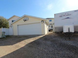Photo 2: 1427 ERIN Drive SE: Airdrie Residential Detached Single Family for sale : MLS®# C3540507