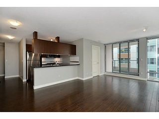"Photo 4: 705 587 W 7TH Avenue in Vancouver: Fairview VW Condo for sale in ""AFFINITI"" (Vancouver West)  : MLS®# V999925"