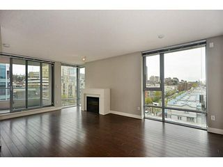 "Photo 2: 705 587 W 7TH Avenue in Vancouver: Fairview VW Condo for sale in ""AFFINITI"" (Vancouver West)  : MLS®# V999925"