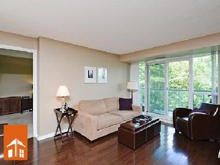 Photo 5: 1 2565 Erin Centre Drive in Mississauga: Central Erin Mills Condo for sale : MLS®# W2668734