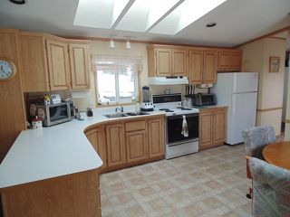 Photo 5: 37 4395 E Trans Canada Hwy in Kamloops: Dallas Manufactured Home for sale : MLS®# 120207