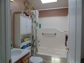 Photo 10: 37 4395 E Trans Canada Hwy in Kamloops: Dallas Manufactured Home for sale : MLS®# 120207
