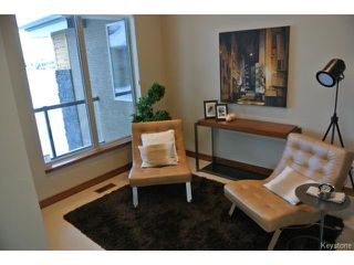 Photo 2: : Condominium for sale : MLS®# 1301776