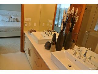 Photo 5: : Condominium for sale : MLS®# 1301776