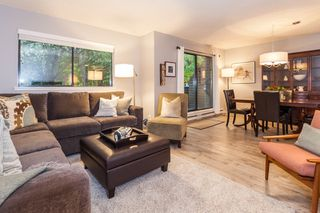 Photo 2: 3325 MOUNTAIN HIGHWAY in North Vancouver: Lynn Valley Townhouse for sale : MLS®# R2118635