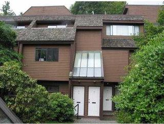 Photo 1: 3325 MOUNTAIN HIGHWAY in North Vancouver: Lynn Valley Townhouse for sale : MLS®# R2118635