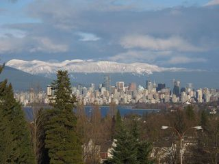 Photo 1: 502 2580 TOLMIE STREET in Vancouver: Point Grey Condo for sale (Vancouver West)  : MLS®# R2334008