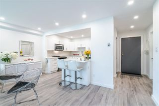 Photo 5: 3203 33 CHESTERFIELD Place in North Vancouver: Lower Lonsdale Condo for sale : MLS®# R2388716