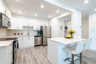Photo 6: 3203 33 CHESTERFIELD Place in North Vancouver: Lower Lonsdale Condo for sale : MLS®# R2388716
