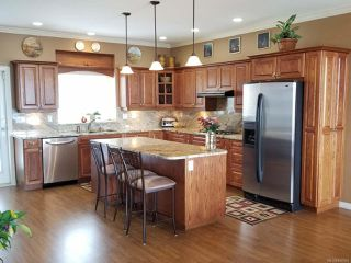 Photo 2: 2186 Varsity Dr in CAMPBELL RIVER: CR Willow Point House for sale (Campbell River)  : MLS®# 840983
