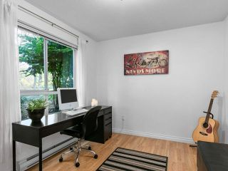 """Photo 10: 115 2551 PARKVIEW Lane in Port Coquitlam: Central Pt Coquitlam Condo for sale in """"THE CRESCENT"""" : MLS®# R2495357"""
