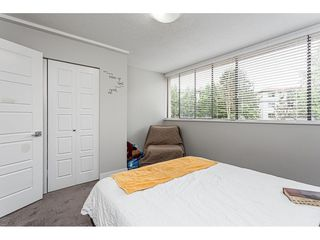 """Photo 11: 106 17720 60 Avenue in Surrey: Cloverdale BC Townhouse for sale in """"CLOVER PARK GARDENS"""" (Cloverdale)  : MLS®# R2503814"""