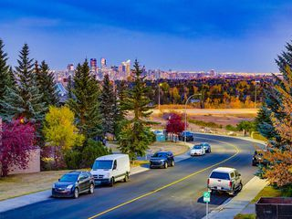 Photo 2: 225 Patina Park SW in Calgary: Patterson Row/Townhouse for sale : MLS®# A1040004