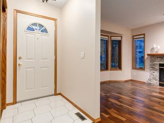 Photo 4: 225 Patina Park SW in Calgary: Patterson Row/Townhouse for sale : MLS®# A1040004