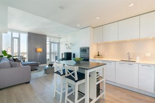 Main Photo: 2805 901 10 Avenue SW in Calgary: Beltline Apartment for sale : MLS®# A1060669