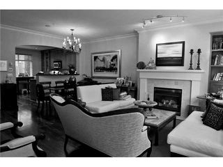 "Photo 2: 5436 LARCH Street in Vancouver: Kerrisdale Townhouse for sale in ""THE LARCHWOOD"" (Vancouver West)  : MLS®# V934976"