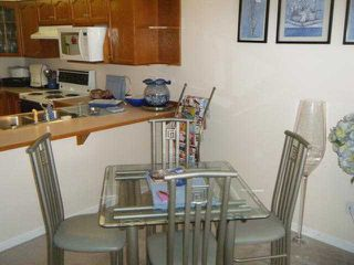"""Photo 3: 411 78 RICHMOND Street in New Westminster: Fraserview NW Condo for sale in """"GOVERNORS COURT"""" : MLS®# V947254"""