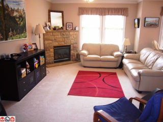 """Photo 3: # 33 6887 SHEFFIELD WY in Sardis: Sardis East Vedder Rd Townhouse for sale in """"PARKSFIELD"""" : MLS®# H1203764"""