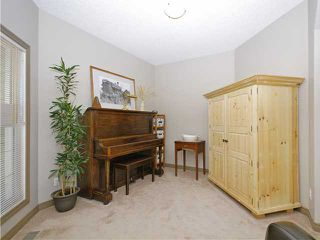 Photo 8: 50 Everhollow Rise SW in CALGARY: Evergreen Residential Detached Single Family for sale (Calgary)  : MLS®# C3543856
