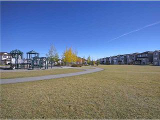 Photo 19: 50 Everhollow Rise SW in CALGARY: Evergreen Residential Detached Single Family for sale (Calgary)  : MLS®# C3543856