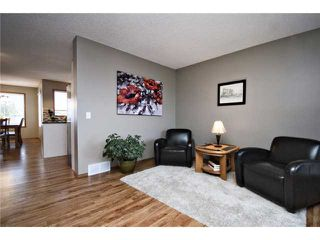 Photo 2: 16 WILLOWBROOK Bay NW: Airdrie Residential Detached Single Family for sale : MLS®# C3543970