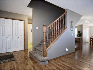 Photo 3: 16 WILLOWBROOK Bay NW: Airdrie Residential Detached Single Family for sale : MLS®# C3543970