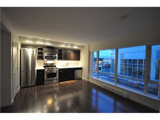 "Photo 3: 201 4888 NANAIMO Street in Vancouver: Victoria VE Condo for sale in ""2300 Kingsway"" (Vancouver East)  : MLS®# V983782"
